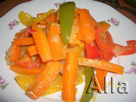 Морковь тушеная с овощами